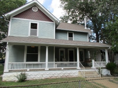 Halstead Single Family Home For Sale: 220 W 2nd St