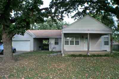 Wichita KS Single Family Home For Sale: $125,000