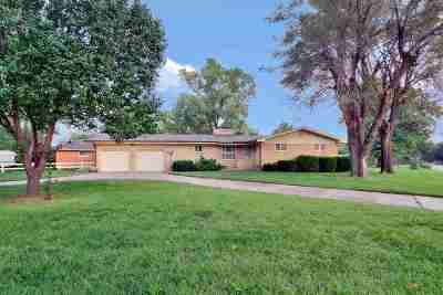 Wichita KS Single Family Home For Sale: $139,900