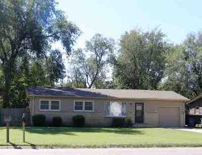 Derby Single Family Home For Sale: 115 E Meadowlark Blvd