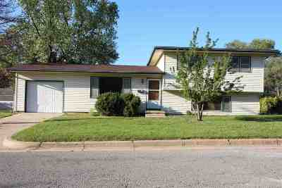 Wichita Single Family Home For Sale: 8112 E Zimmerly St