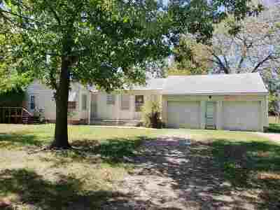Andover Single Family Home For Sale: 601 S McCandless Rd.