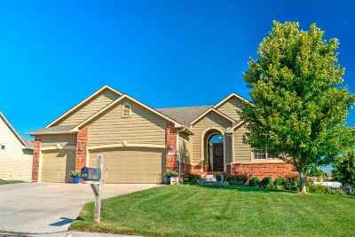 Harvey County Single Family Home For Sale: 618 Autumn Ridge