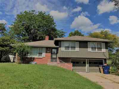 Bel Aire Single Family Home For Sale: 6000 Memphis St