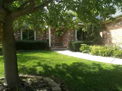 Derby Single Family Home For Sale: 1419 E Meadow Ridge Ct