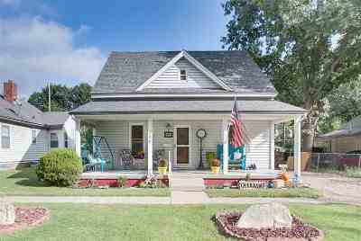 Augusta Single Family Home For Sale: 304 E Clark Ave