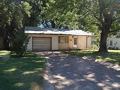 Winfield KS Single Family Home For Sale: $57,900
