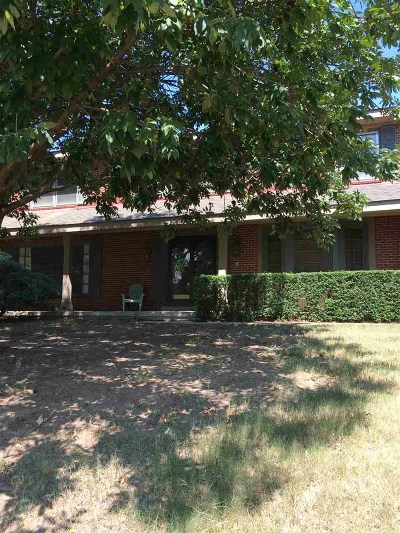 Wichita Single Family Home For Sale: 626 S Hidden Valley Rd