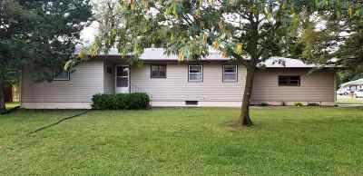 Newton Single Family Home For Sale: 1000 S Poplar St