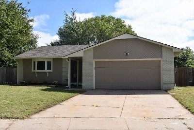 Bel Aire Single Family Home For Sale: 4230 N Saint James Ct.