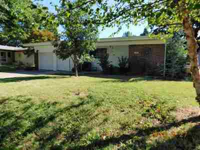 Mulvane Single Family Home For Sale: 604 N Riverdale Dr