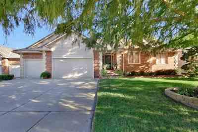 Wichita Single Family Home For Sale: 7902 W Meadow Knoll Cir