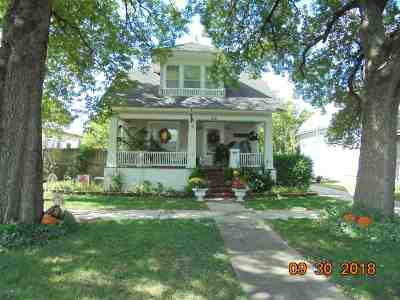 Wellington Single Family Home For Sale: 912 N Washington Ave