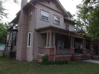Arkansas City KS Single Family Home For Sale: $56,000