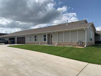 Derby Single Family Home For Sale: 2418 E Madison #1001