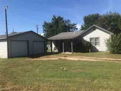 Arkansas City Single Family Home For Sale: 33733 61st Road