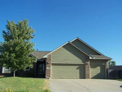 Sedgwick County Single Family Home For Sale: 624 E Rolling View Ct