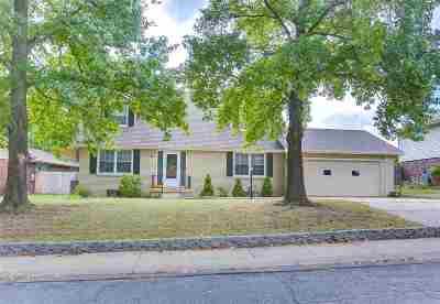 Derby Single Family Home For Sale: 1005 E Bodine Dr