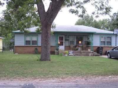 Arkansas City KS Single Family Home For Sale: $57,000