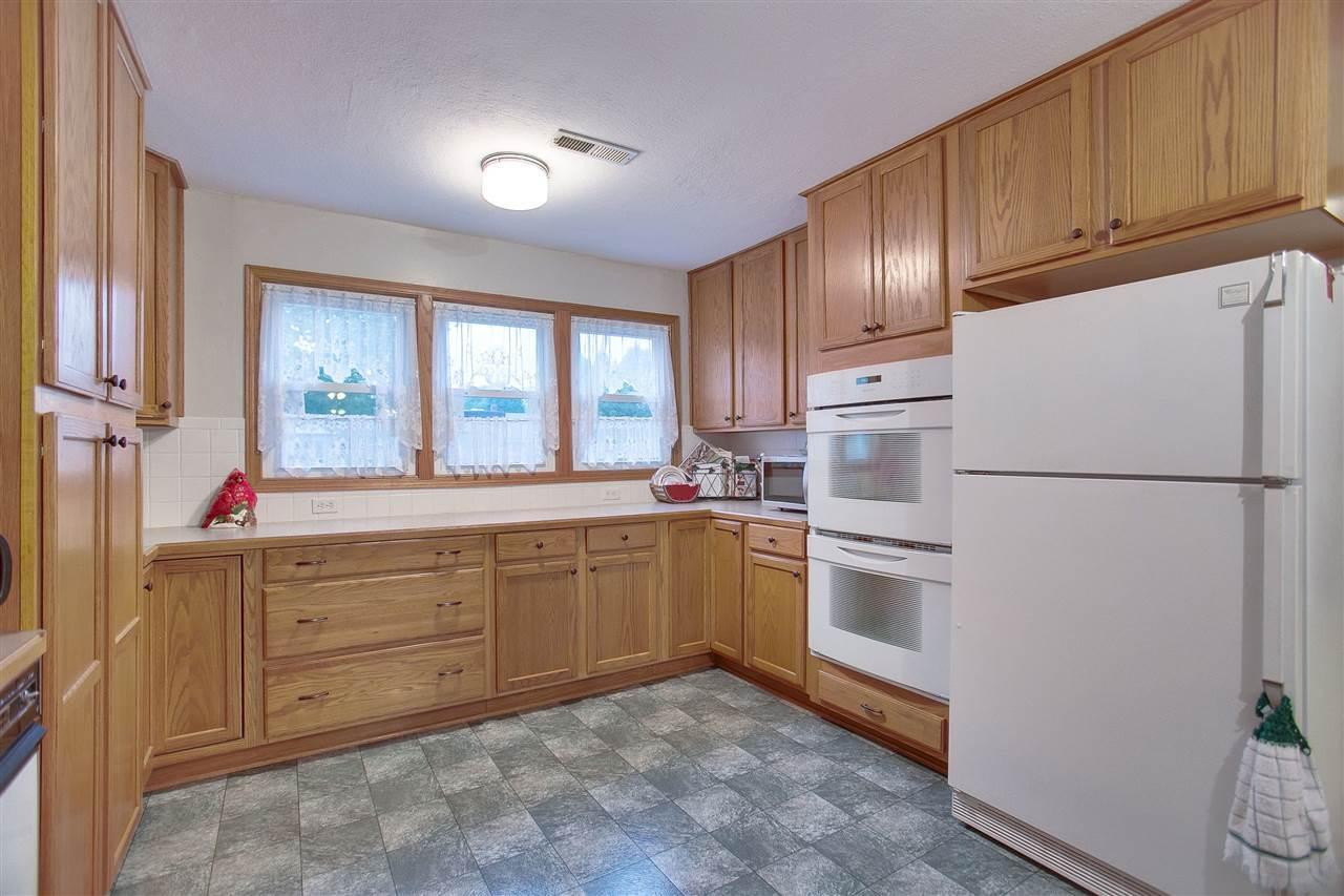 E Conamore St Wichita KS MLS Wichita Kansas KS - Discount kitchen cabinets wichita ks