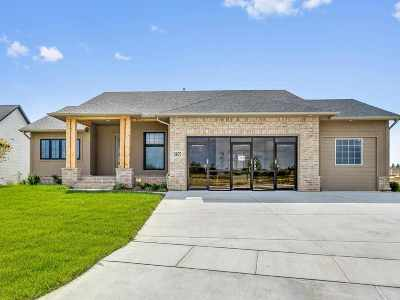 Wichita Single Family Home For Sale: 3907 N Estancia Ct.