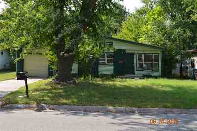 Derby Single Family Home For Sale: 521 S Westview Dr