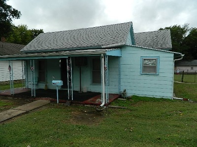 Winfield KS Single Family Home For Sale: $24,000
