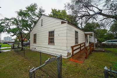 Single Family Home For Sale: 4112 Wilma St