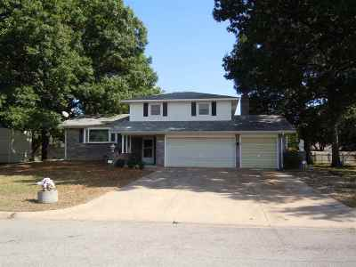 Haysville Single Family Home For Sale: 420 Peach Tree Ln