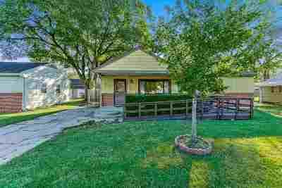 Park City Single Family Home For Sale: 6320 N Jacksonville Dr