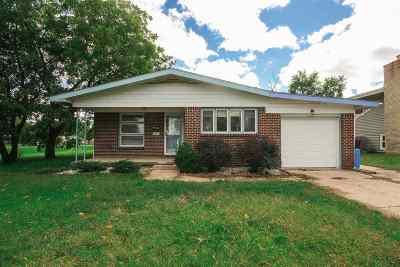 Wichita Single Family Home For Sale: 8217 E Indianapolis