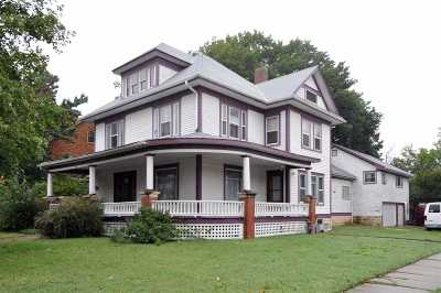 Newton Single Family Home For Sale: 224 E 1st St