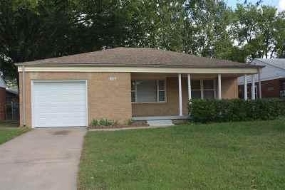 Wichita Single Family Home For Sale: 1726 Fabrique St