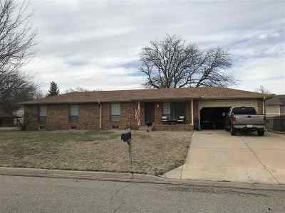 Derby Single Family Home For Sale: 1032 E Kay St