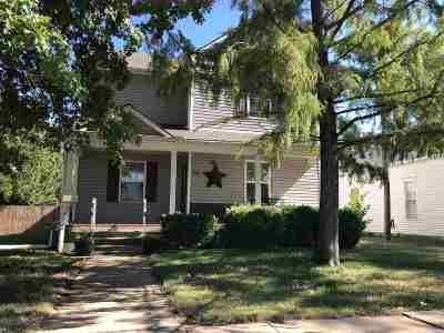 Wellington Single Family Home For Sale: 723 N F St