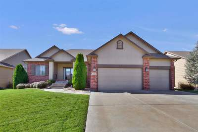 Wichita Single Family Home For Sale: 2513 N Graystone Cir