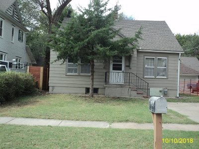 Newton Single Family Home For Sale: 1019 N Walnut