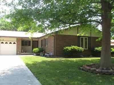 Wichita KS Single Family Home For Sale: $160,000