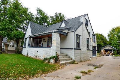 Single Family Home For Sale: 708 S Hillside St