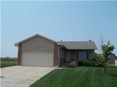 Wichita KS Single Family Home For Sale: $1,195