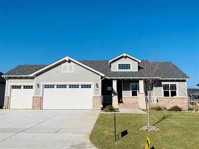 Wichita Single Family Home For Sale: 3879 N Estancia Court