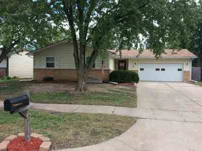 Single Family Home For Sale: 5801 Denise St