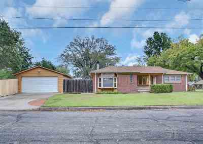 Wichita Single Family Home For Sale: 810 S Longfellow