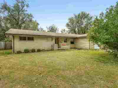 Wichita Single Family Home For Sale: 9801 W Hickory Ln.