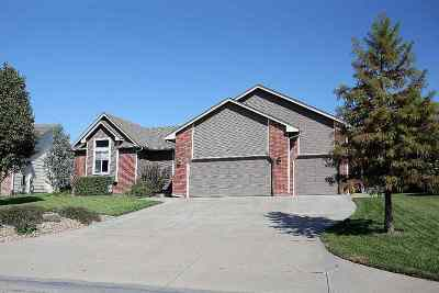 Wichita Single Family Home For Sale: 102 S Maple Dunes