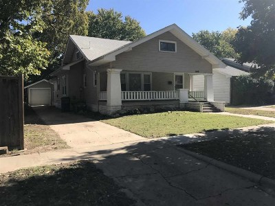 Wichita Single Family Home For Sale: 1048 N Woodrow Ave