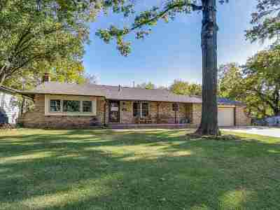 Derby Single Family Home For Sale: 860 E English Ct.