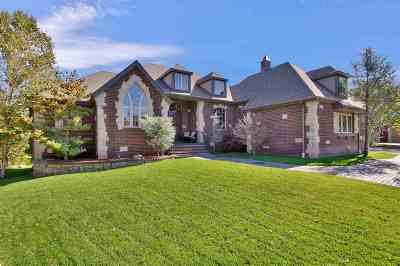 Wichita Single Family Home For Sale: 512 S Clear Creek Cir