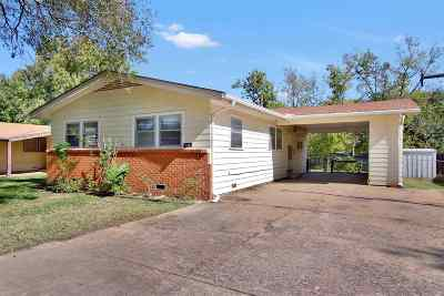 Derby Single Family Home For Sale: 526 S Riverview