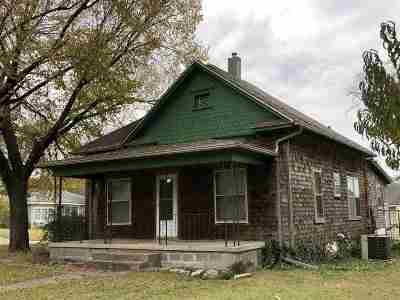 Wellington Single Family Home For Sale: 602 N F St